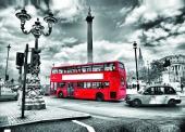 Лондонский автобус на площади