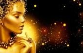 Золотая пыль и девушка