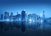 Город в синей дымке