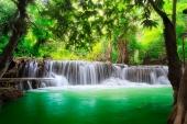 Зеленый водопад