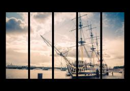 модульная картина Город. Санкт-Петербург Корабль у Дворцового моста